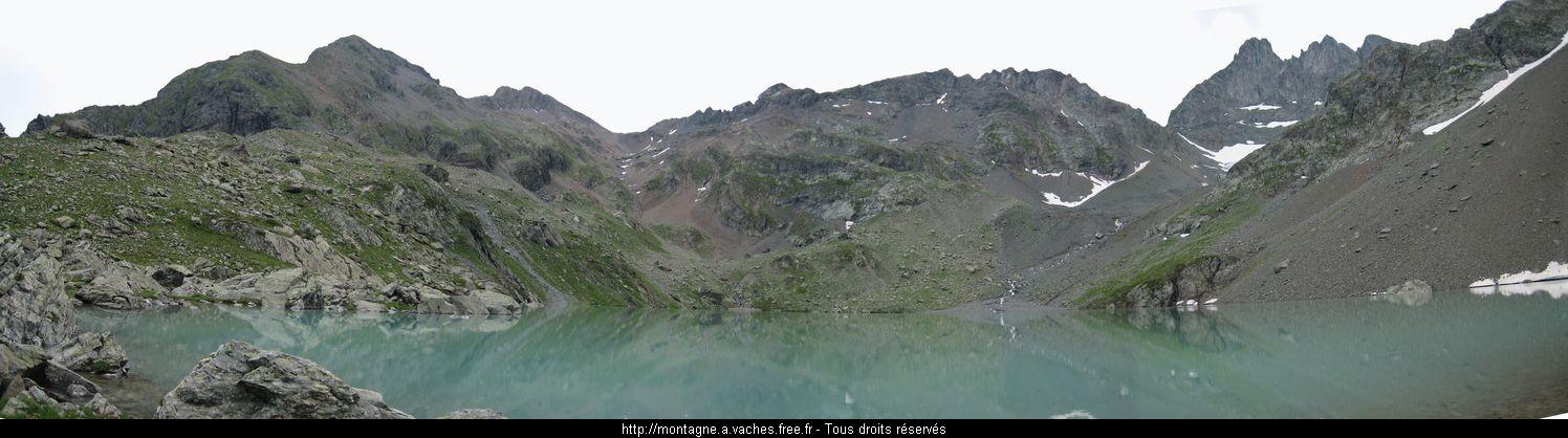 <image: http://montagne.a.vaches.free.fr/Rando/Belledonne/lcblc/lac1.jpg>